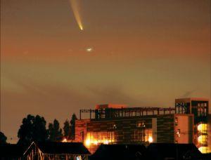 Avistan Ovni y Cometa