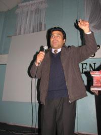 Pastor Enfrenta Espíritus Malignos